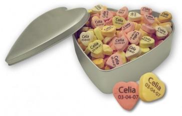 Caramelos de fruta personalizados en lata corazón para Bautizo