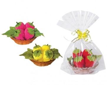 Regalos de Bautizos - Toalla cestita de fresas
