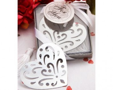 regalos de boda - marcapaginas corazon calado