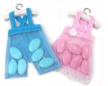 Regalos de Bautizo - Vestido pantalon peto con caramelos dulces