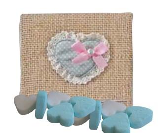 Saco yute con caramelos corazón - detalles para bautizo