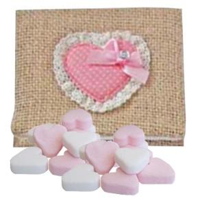 Saco yute con caramelos corazón - detalles de bautizo