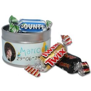 Mini chocolatinas variadas en lata personalizada para Comunión